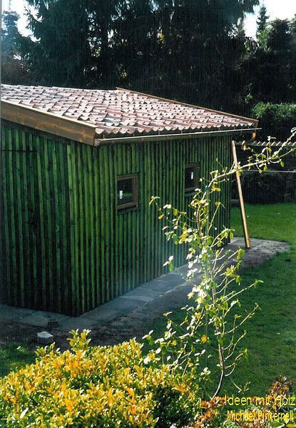 Gartenhaus mit handgeformten Tondachziegeln