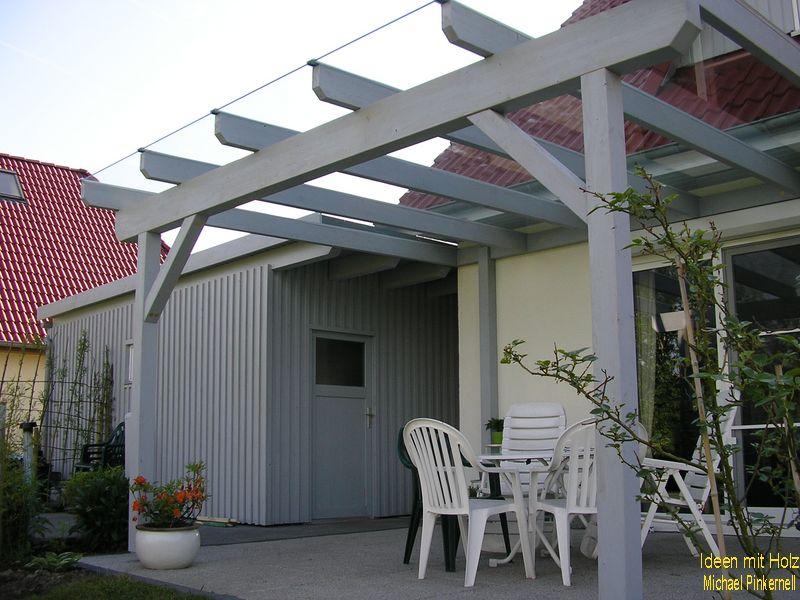 Terrassenüberdachung mit direktem Zugang zum Carport